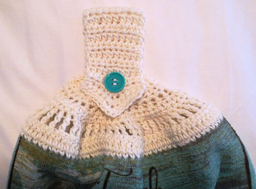 Crocheted Pointed Handle Towel Topper