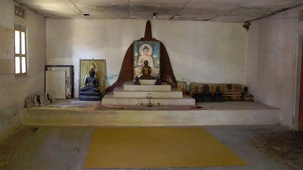 Interior Vihara Dhamma Sikhi.