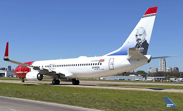 Norwegian Air Argentina B737-800 Piazolla (Gustavo Martínez)