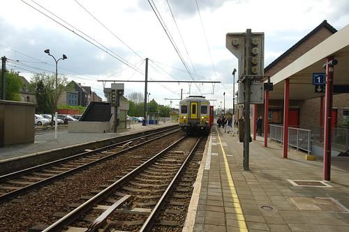 MS'66 646 te station Burst / AM'66 646 a la gare de Burst