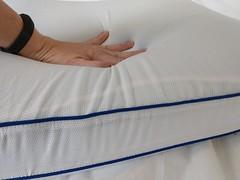 Innocor Comfort by Serta Gel Memory Foam Side Sleeper Pillow Touching