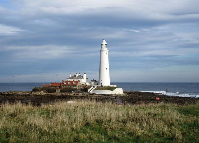 St Marys lighthouse Oct, Canon IXUS 170