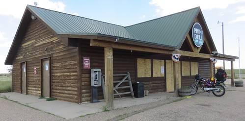 Old Gas Station (Buford, Wyoming)
