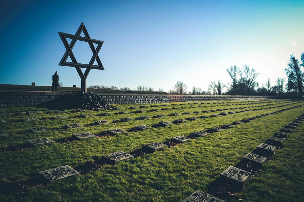 · Cementerio judío · Campo de concentración de Terezín ·