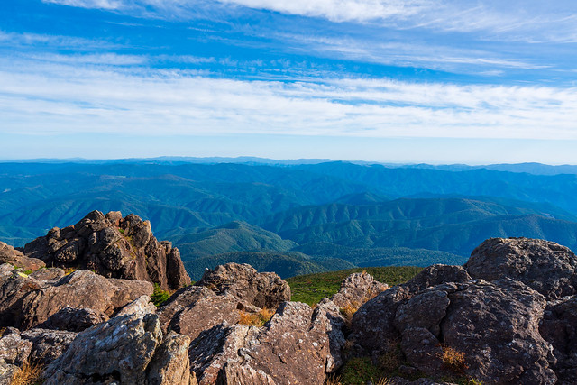北側の山々