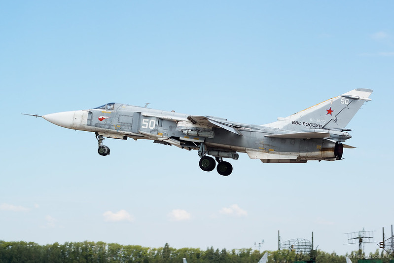 Sukhoi_Su-24M_RF-90772_50white_Russia-Airforce_028_D801278