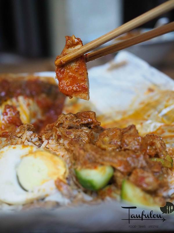 Taste Legendary Nasi Lemak Chow Kit Pasar (16)