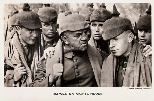 Lew Ayres, Louis Wolheim and Owen Davis jr. in All Quiet on the Western Front