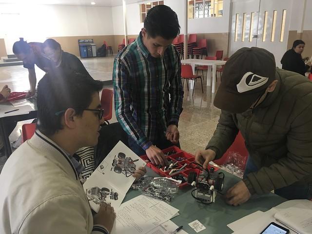 Proyecto STEM con Fundación Chevrolet - Formación de voluntarios