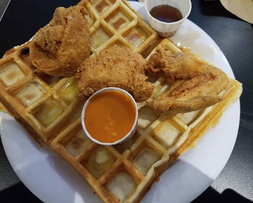 Chicken and waffles! 😍😍😍 #wafflefrolic #ithaca #waffles #yum