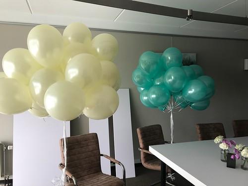 Heliumballonnen van der Valk Hotel Ara Zwijndrecht