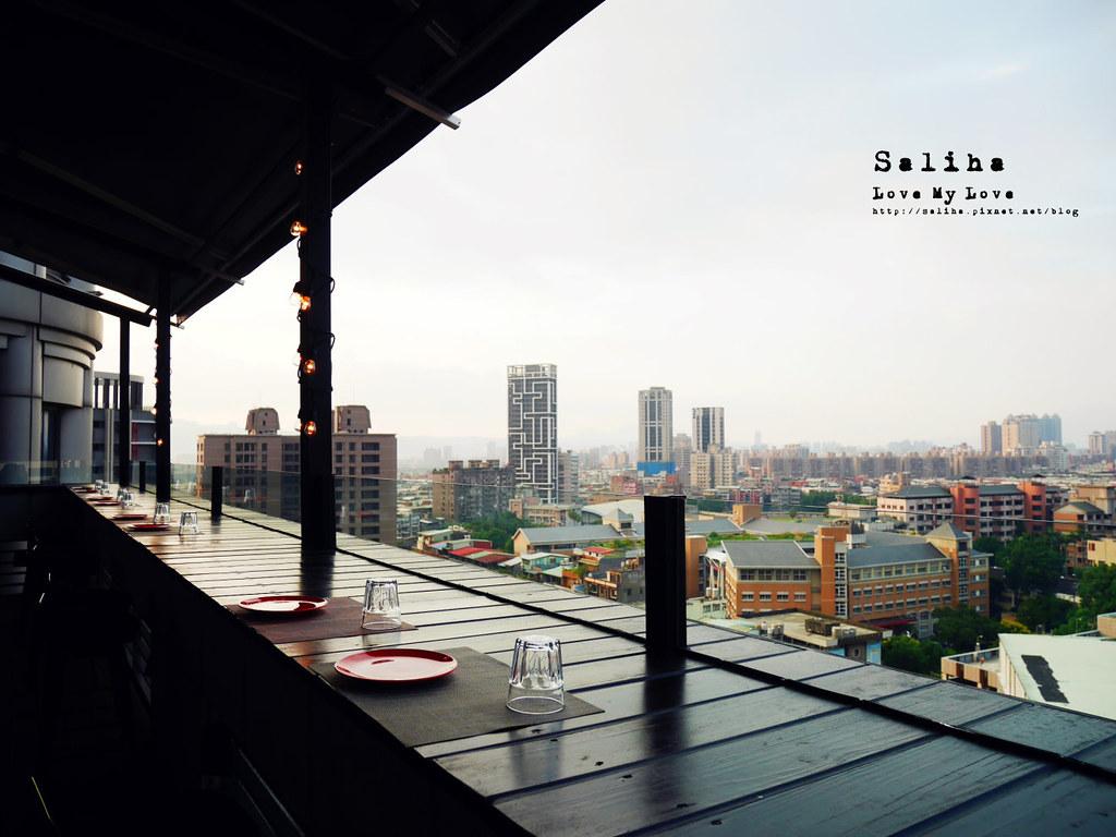 板橋府中站附近氣氛好浪漫約會餐廳美食推薦ABV閣樓餐酒館義大利麵沙拉啤酒 (7)