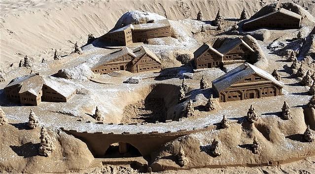 Châteaux ou Chalets...de sable. 44306885864_9d886dce1e_z