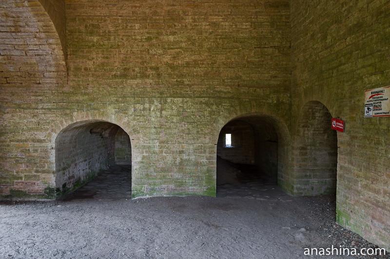 Внутри Воротной башни, Старая Ладога