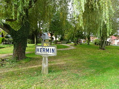 Hermin city-limit (2) - Photo of Marquay