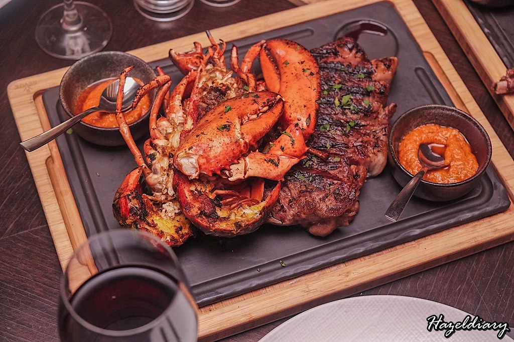 Opus Bar and Grill-Hilton Singapore-Wagyu and Lobster