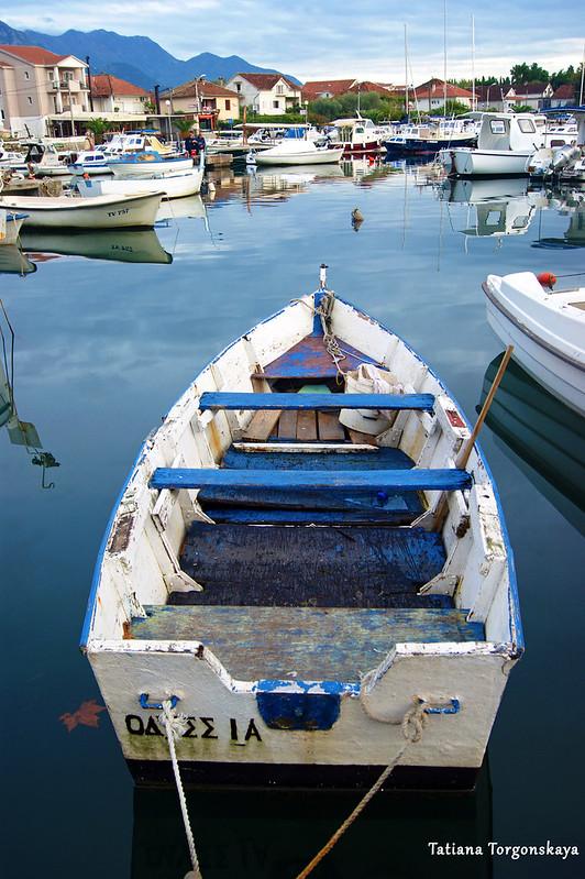 Рыбацкая лодочка в гавани Калимань