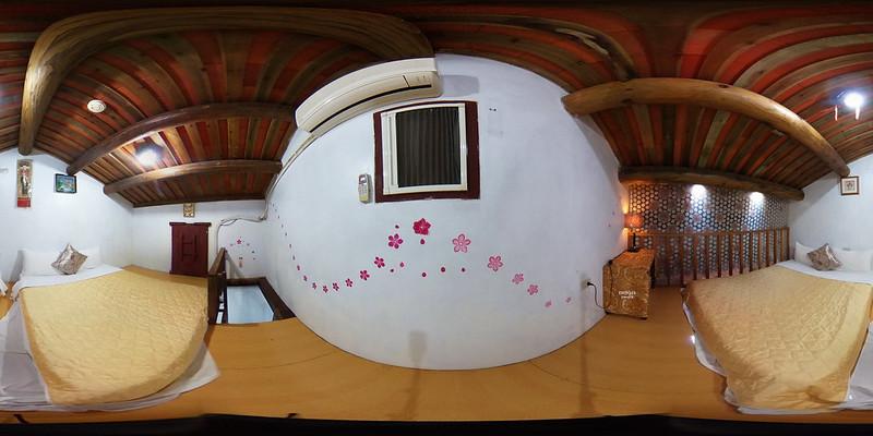 5-2雙人套房一大床閣樓