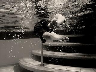 Simón in the water