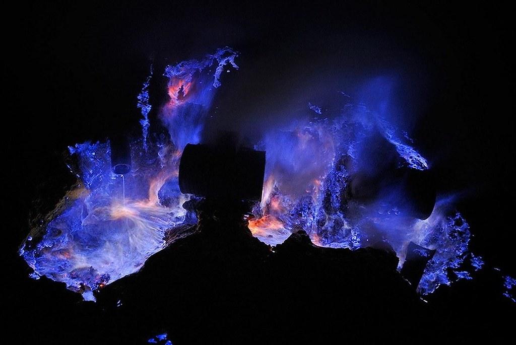 Volcán de noche