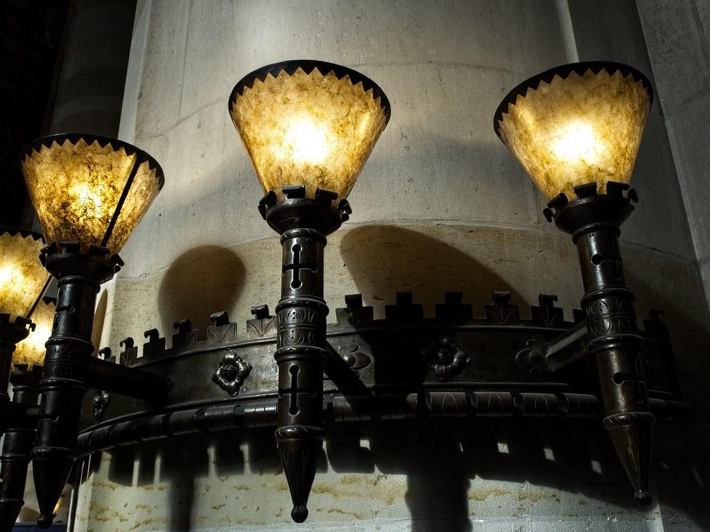 Lights inside yale library pb en wikipedia wiki u flickr