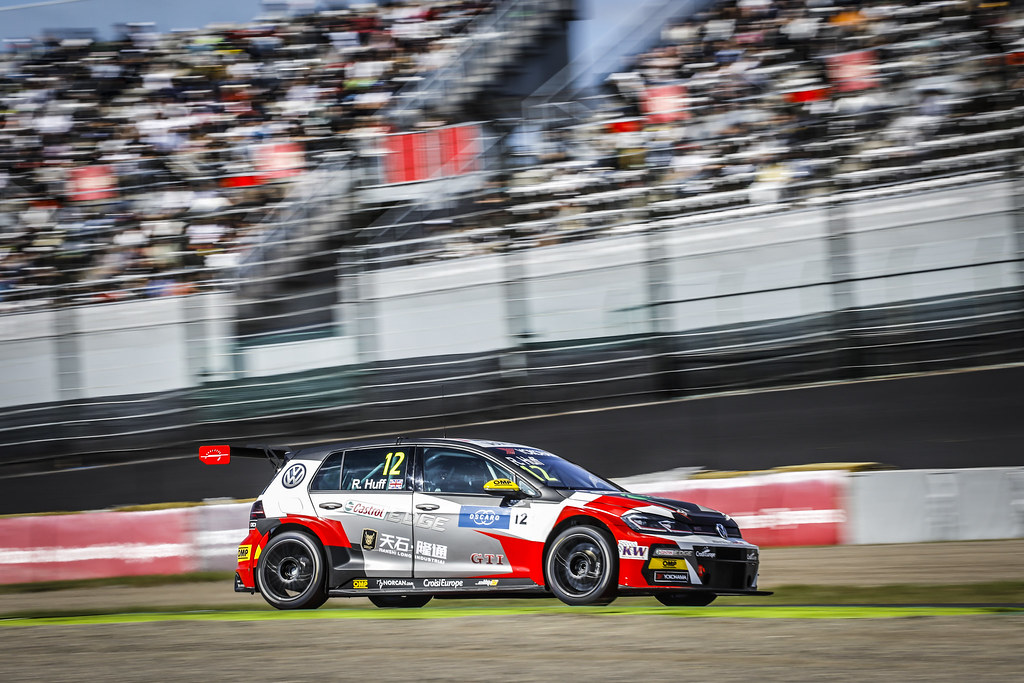 12 HUFF Rob, (gbr), Volkswagen Golf GTI TCR team Sebastien Loeb Racing, action during the 2018 FIA WTCR World Touring Car cup of Japan, at Suzuka from october 26 to 28 - Photo Francois Flamand / DPPI