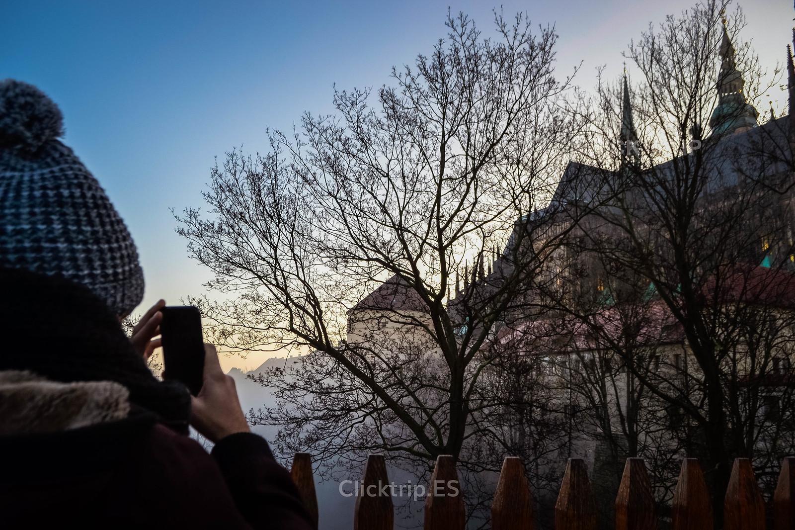 · Fotografiando el exterior del Castillo de Praga ·