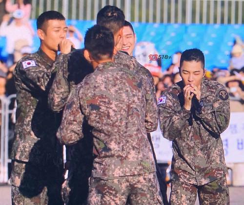 Taeyang Daesung Ground Forces Festival Korea 2018-10-08 (14)