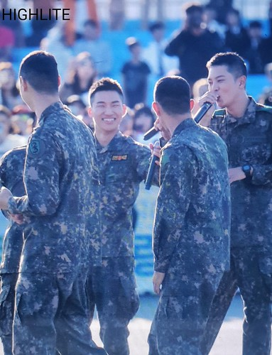 Taeyang Daesung Ground Forces Festival 2018-10-08 Day 3 (8)