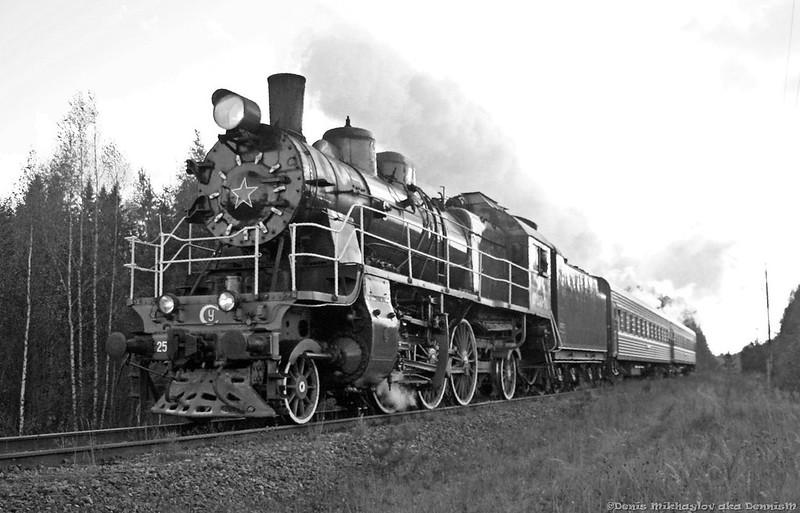 Паровоз Су250-74 с пргородным поездом Осташков - Бологое