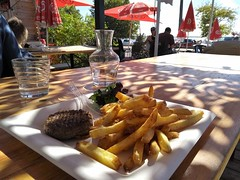 STEAK HACHE FRITES