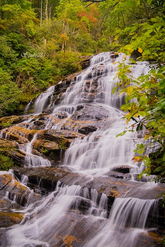 northcarolina highlands glenfalls nantahala cullasaja waterfall mountains hiking autumn fall longexposure rock nature landscape
