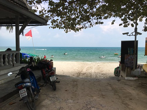 今日のサムイ島 10月10日 すっかりのんびりです。