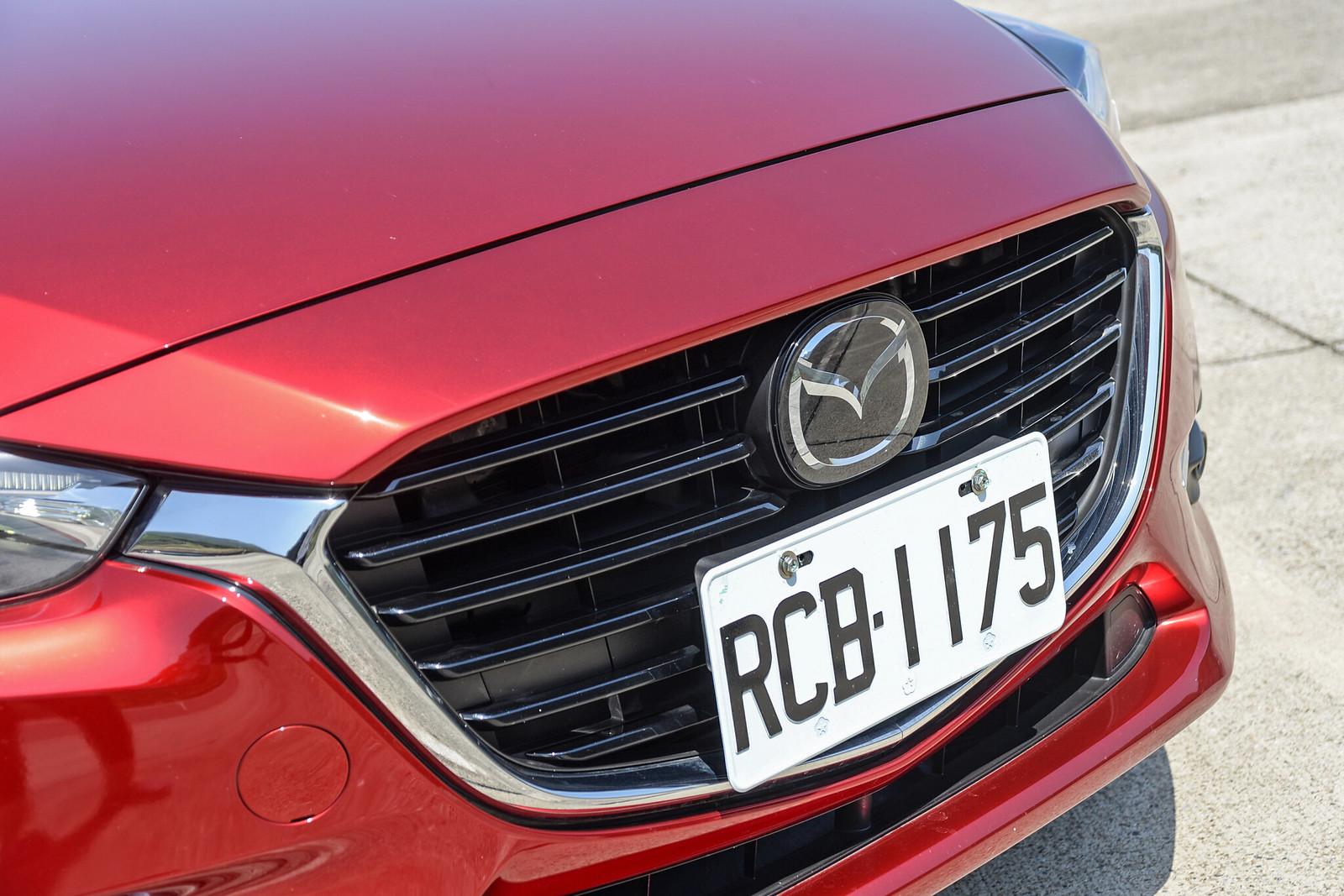 Mazda3-14