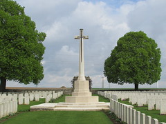 Achiet-le-Grand: Achiet-le-Grand Communal Cemetery Extension (Pas-de-Calais)
