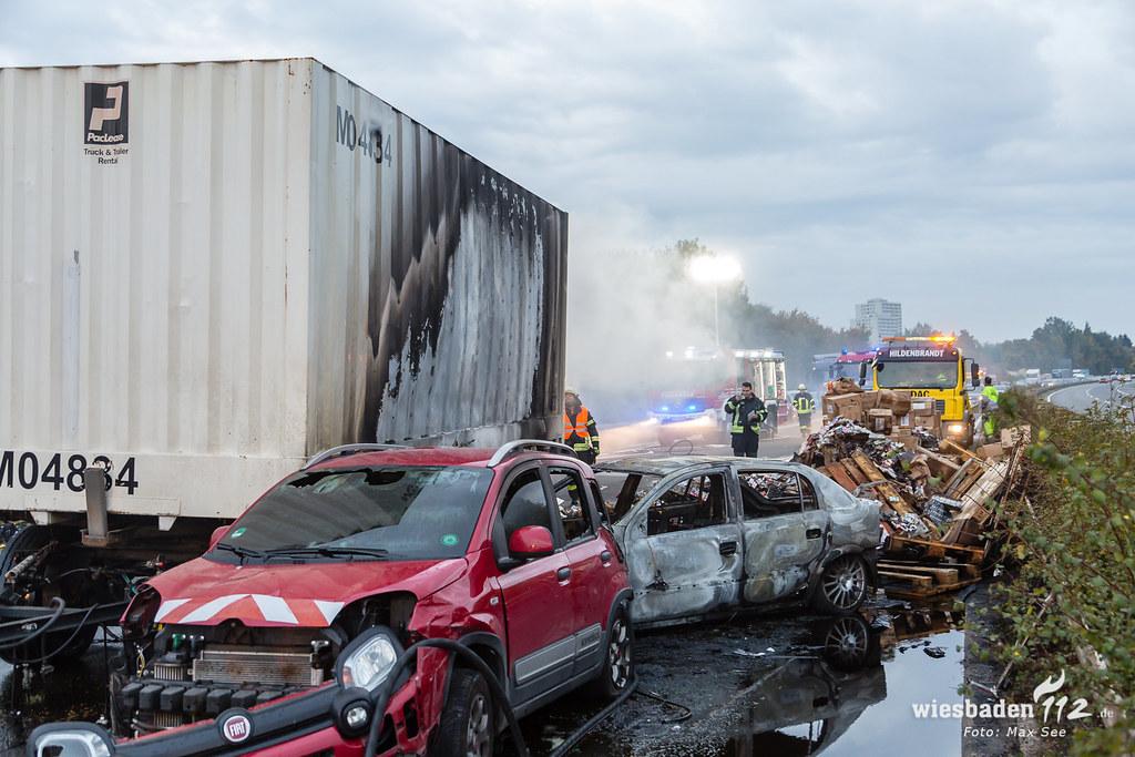 Unfall mit Brand A671 Hochheim 01.10.18