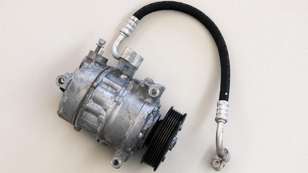 air-conditioning-compresor.JPG-1920x1280 (1)
