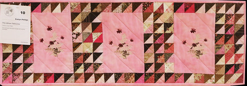 10: Pink & Brown Tablerunner - Evelyn Phillips