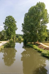 Cycle ride from Coulon -  Marais Poitevin. Coulon is the capital of the Green Venice (Venice-Vert) which is the north eastern end of the Marais Mouille (Wet Marshes), which itself is a part of the Marais Poitevin, the second largest wetland in France - Photo of Frontenay-Rohan-Rohan