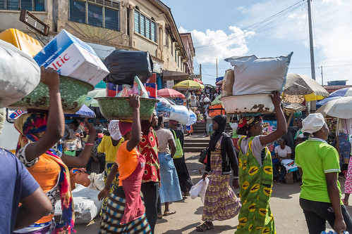 ghana kumasi market people street ashanti gh