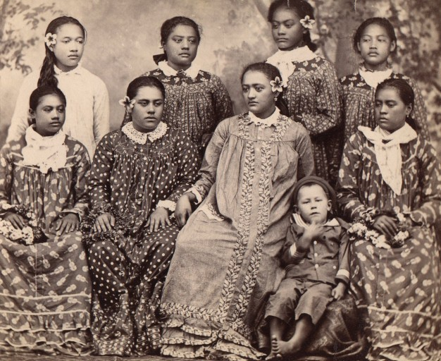 Tahitian girls wearing missionary robes between 1860 and 1879. Photo from Photothèque du Musée de l'Homme via French National Library