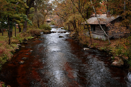 Cabins on the Pine River