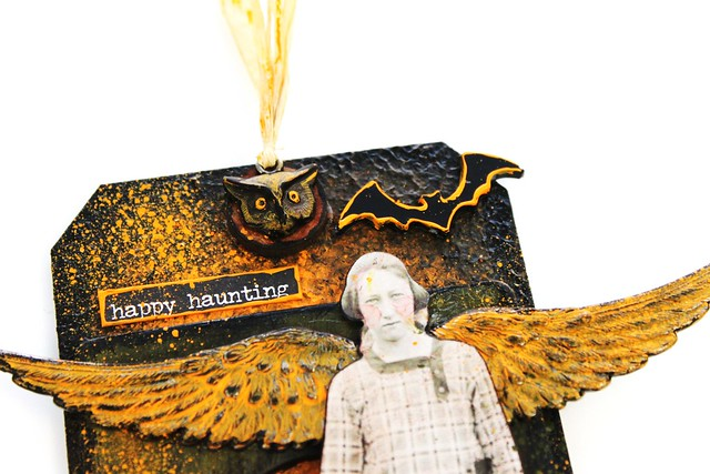 Meihsia Liu Simply Paper Crafts Mixed Media Tag Halloween Wing Pumpkin Bat Wing Simon Says Stamp Monday Tim Holtz 2