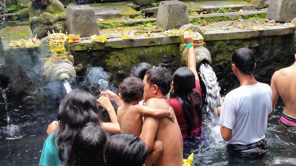 Pura Tirta Empul rytuał oczyszczania