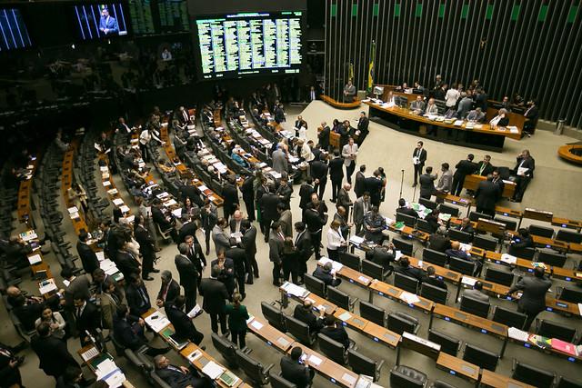 Partidos que apoiam a candidatura de Jair Bolsonaro (PSL) também foram contra direitos da população - Créditos: Foto: Agência Brasil