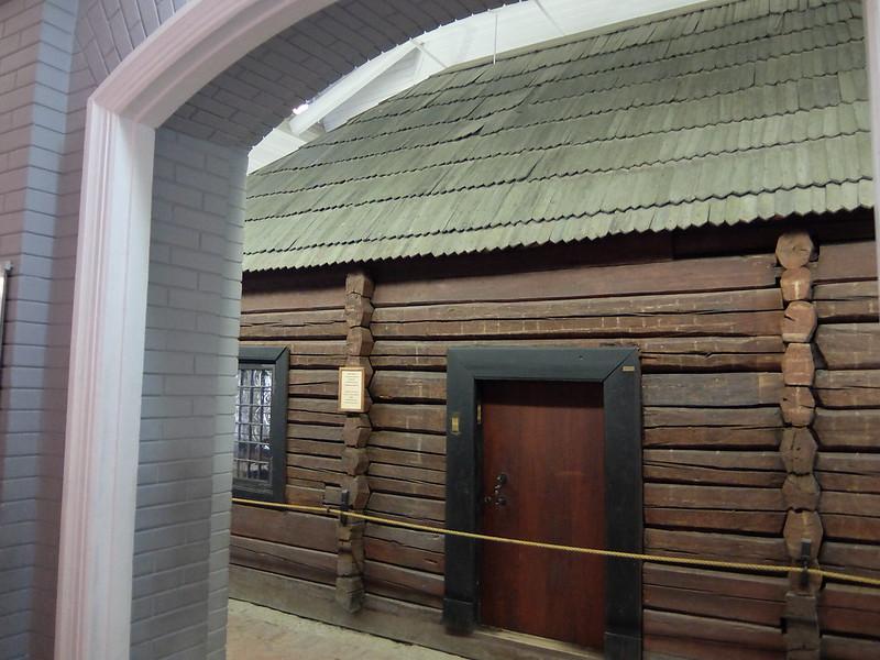 Санкт-Петербург - Домик Петра под куполом