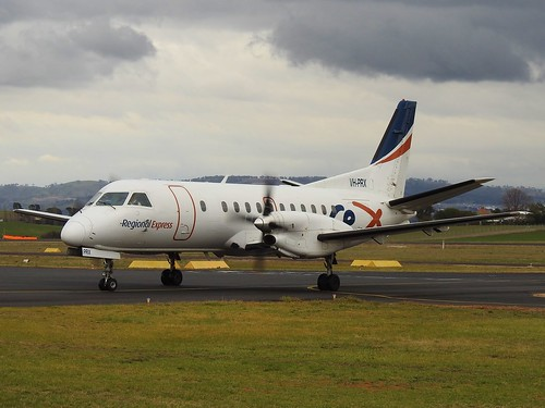 VH-PRX Saab 340 at Bathurst