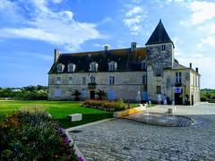 HOTEL DE VILLE DE PONS - Photo of Villars-en-Pons