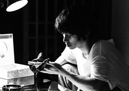 映画『銃』 ©吉本興業