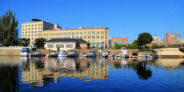 River Palms Marina, on the Milwaukee River